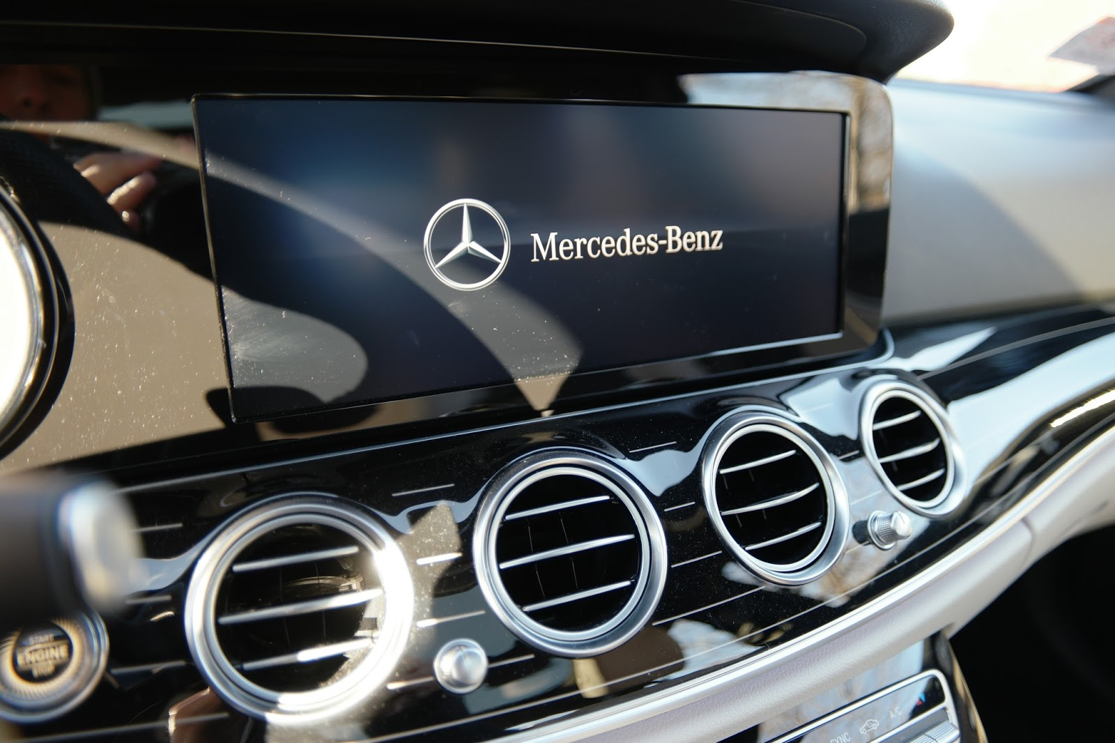 off on a tangent 2017 mercedes benz e300 with apple carplay. Black Bedroom Furniture Sets. Home Design Ideas