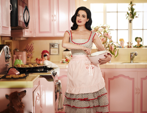 Resultado de imagem para mulher do lar 1950