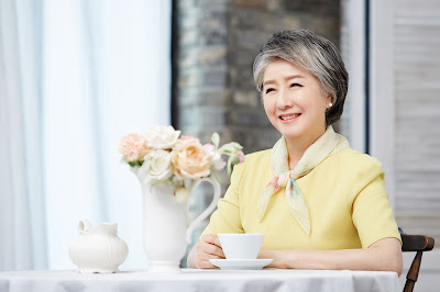 sesudah terapi kombinasi wonjin baby face v-lifting untuk wanita usia 70an