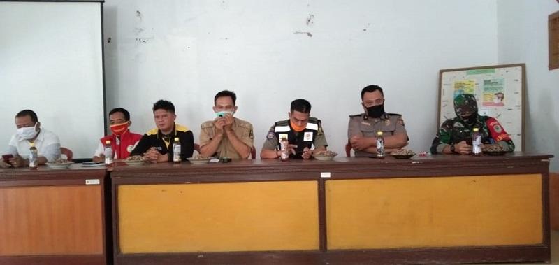 Hasbi Ash Shidiki PLKB (TPD) bersama Muspika dan Muspides Balekambang Intens Laksanakan Pencegahan Covid-19