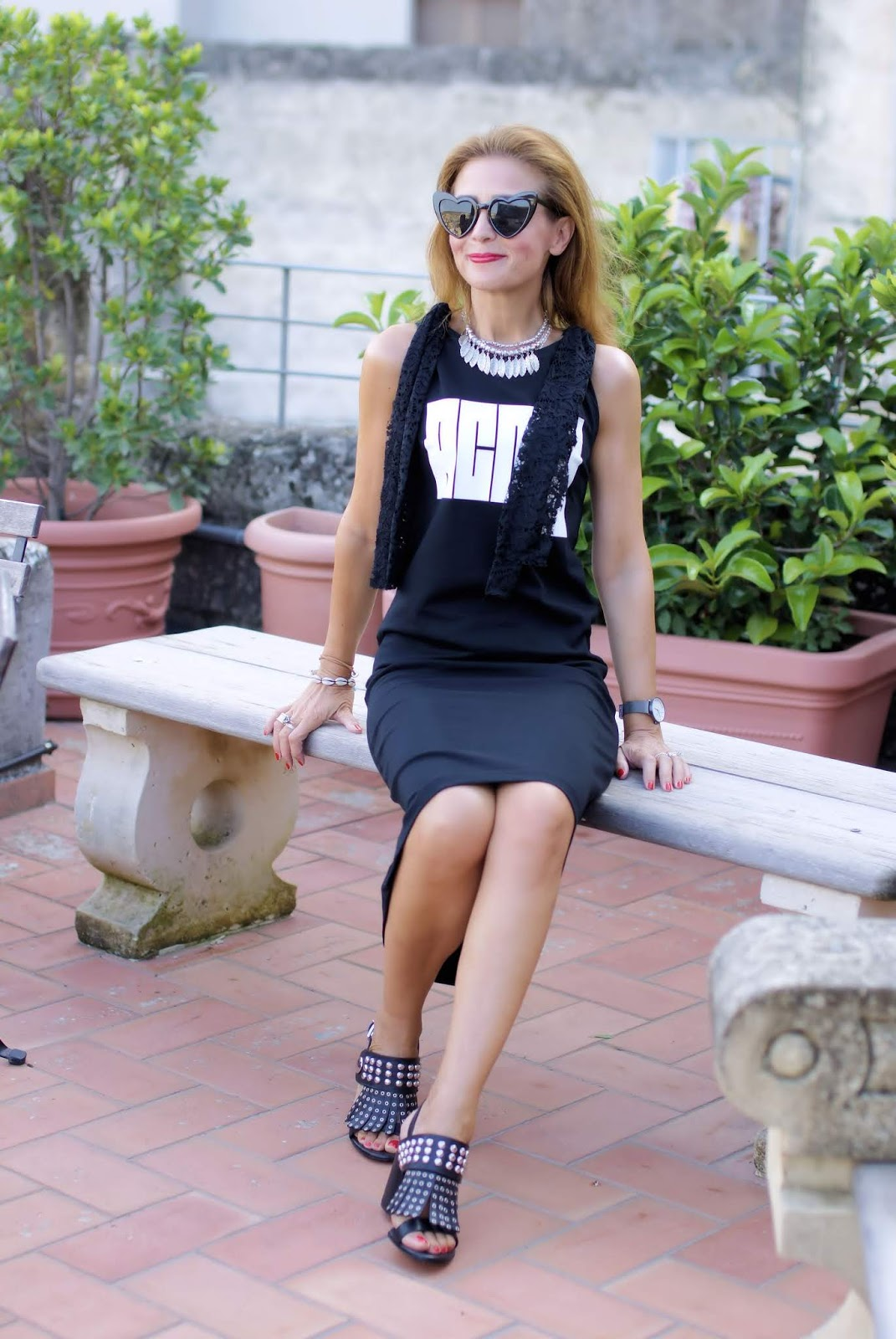 Total black acmy dress on Fashion and Cookies fashion blog, fashion blogger style