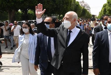 Tunisia: President extends parliament freeze