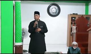 Ketua Umum DPP Golkar Bagikan1000 lembar Paket Sarung dan Sajadah di tiga wilayah Kabupaten Lingga