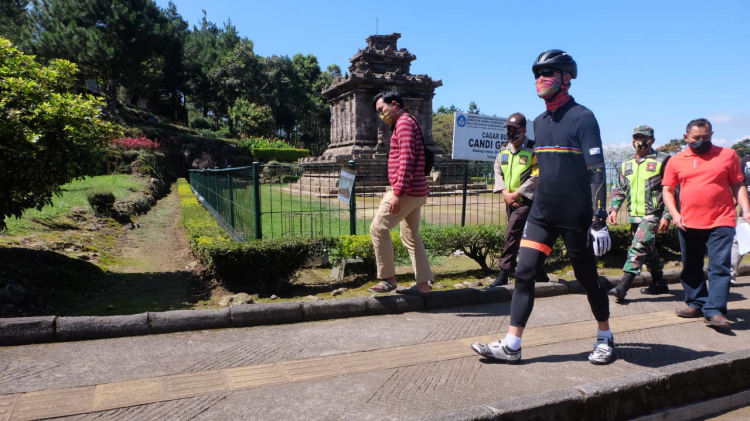 Ganjar Cek Persiapan Candi Gedong Songo Hadapi New Normal