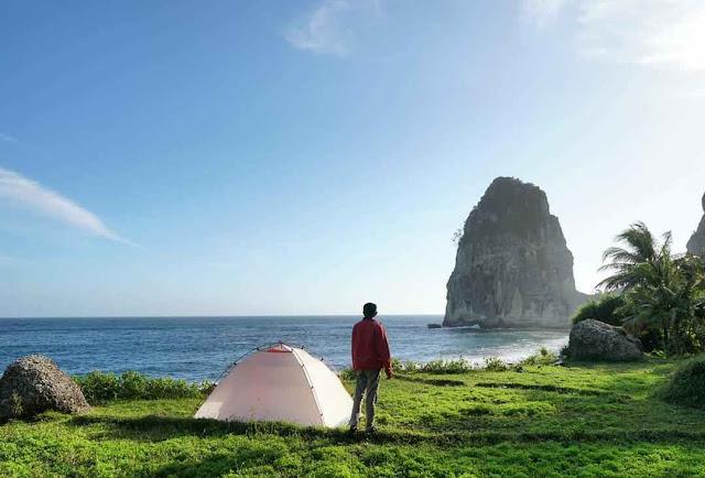 Pantai Pangasan Pacitan: Lokasi, Rute, dan Harga Tiket