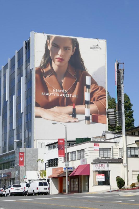 Giant Hermès Beauty is a gesture billboard