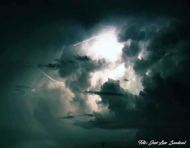 Relámpagos de los rayos registrados en Gran Canaria el lunes 19 de septiembre 2019 / Fotos: José Luis Sandoval