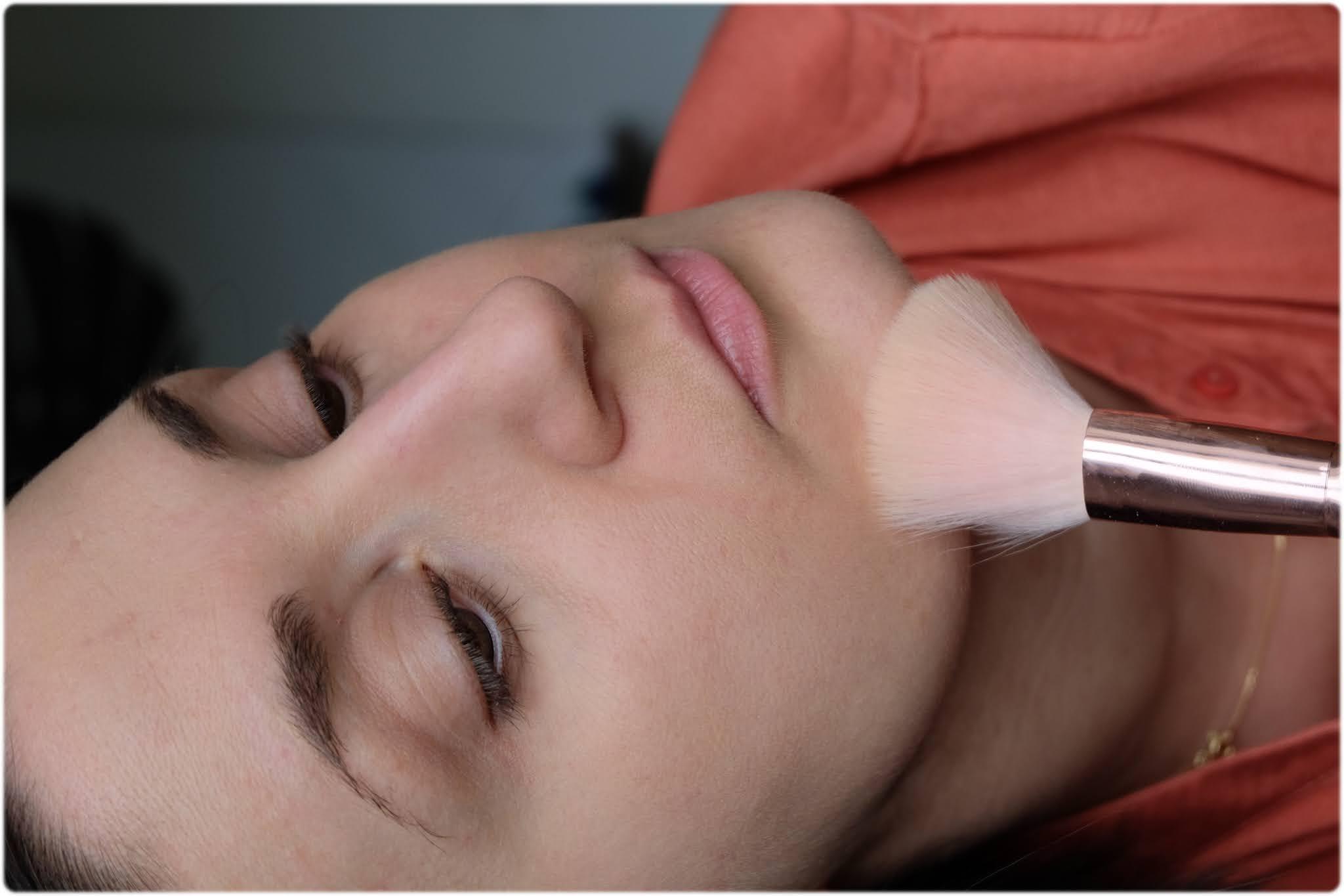 zoom maquillage teint Charlotte makeup bio