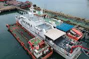 Bakamla Tangkap Kapal Diduga Transfer BBM Ilegal di Tengah Laut