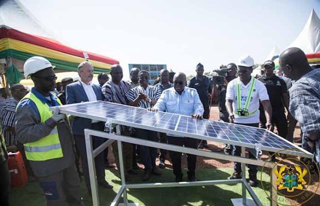 President Nana Addo Dankwah Akuffo Addo inspecting 17mw solar plant in Kaleo Lawra