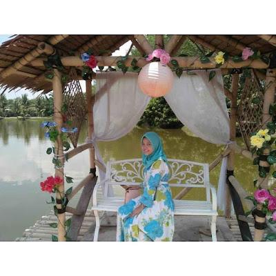 Spot Bangku Tengah Danau