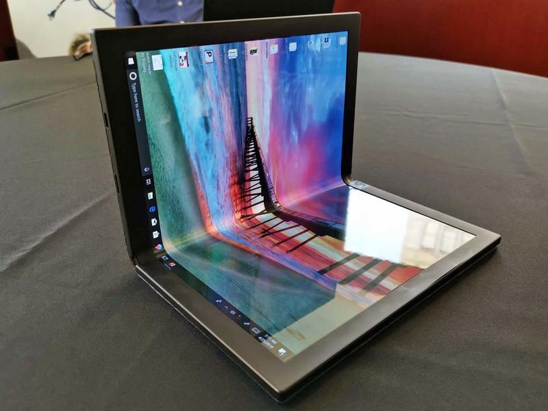 Intel Bawa PC Lipat di CES 2020