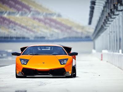 Rất hiếm hãng xe hơi có xe ô tô màu cam