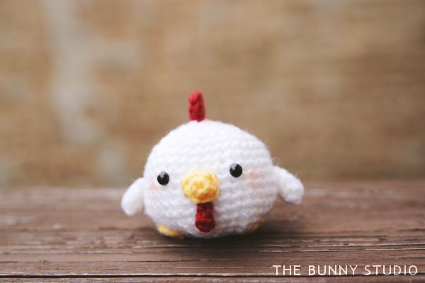 Ravelry: 132 Baby Rooster Kubrik pattern by LittleOwlsHut   400x600