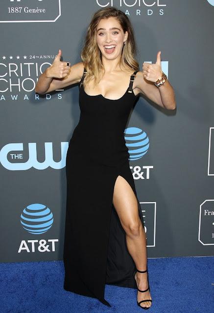 Haley Lu Richardson topless