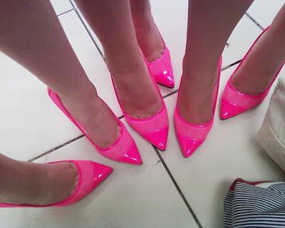 A nyári lábápolás a jó cipőnél kezdődik!