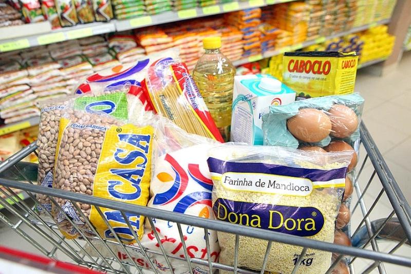 Preço do feijão tem aumento de quase 100% em supermercado depois da pandemia do coronavírus