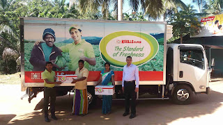 Keells Super receives the first batch of the safely ripened Omaragolla Mangoes