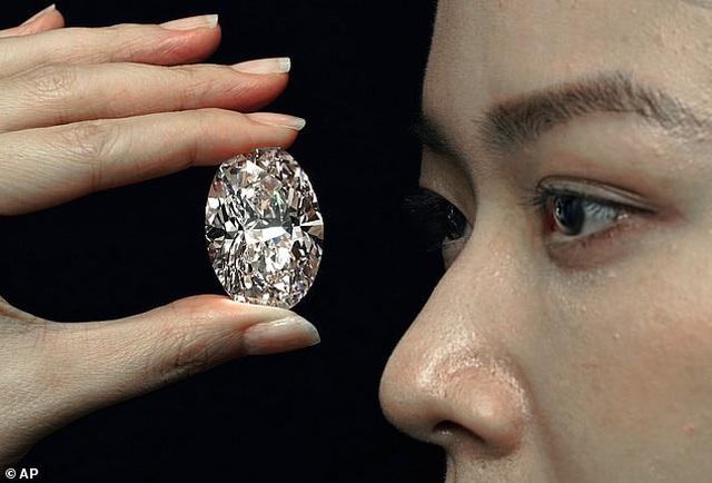 Kim cương giá 800 tỷ