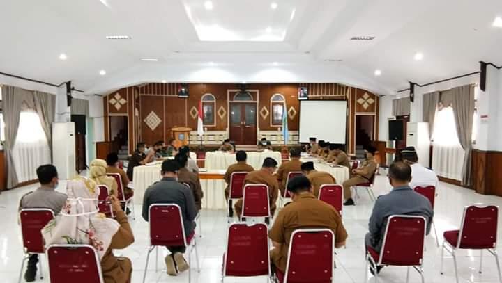 Bupati Adirozal Pimpin Rapat Evaluasi Tim Gugus Tugas Penagananan Covid 19