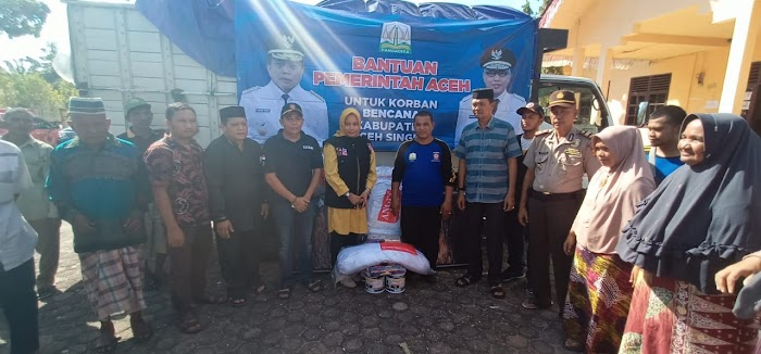 Dinsos Aceh Salurkan Bantuan untuk Korban Kebakaran Singkil