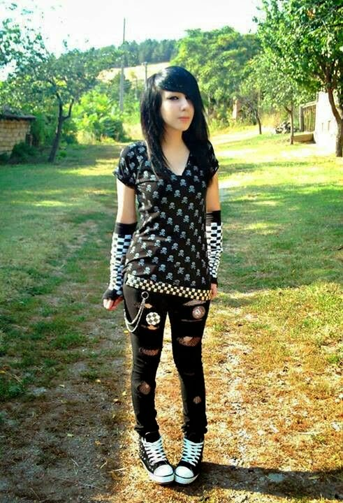 Emo Cute Girl Wallpaper Emo Girls With Latest Stylish Wallpaper Latest Cute Emo