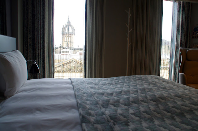 G&V Royal Mile Hotel Edinburgh Room View