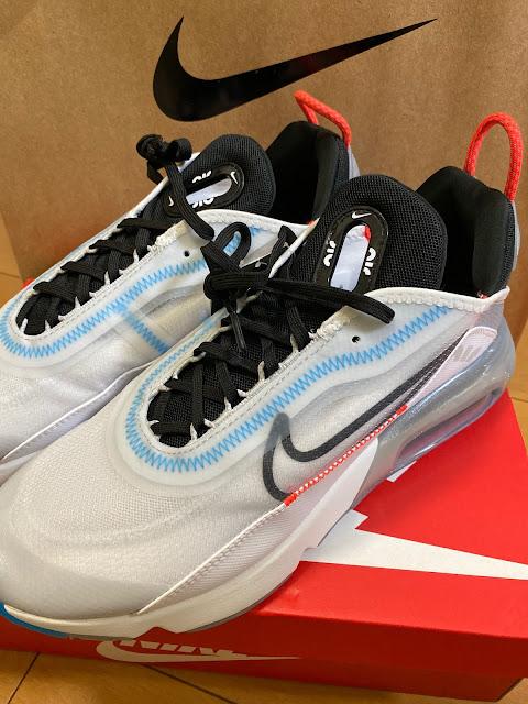 エア マックス 2090 PURE PLATINUM ¥15,400 (@ Nike Harajuku - @nikejapan in 渋谷区, 東京都)