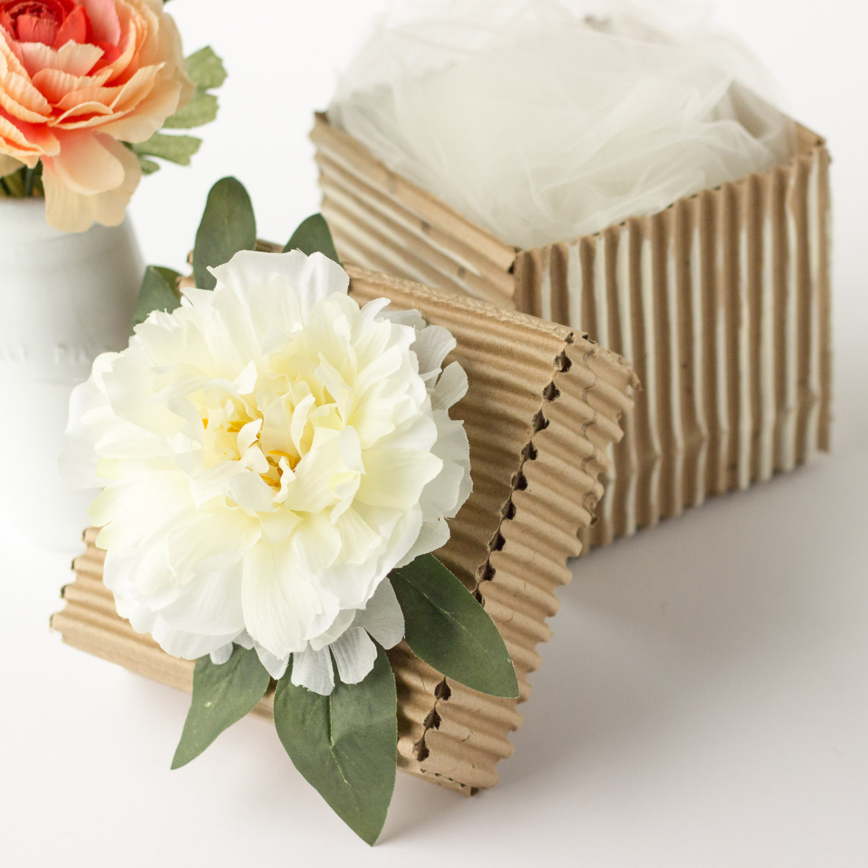 diy corrugated cardboard gift box muslin and merlot. Black Bedroom Furniture Sets. Home Design Ideas