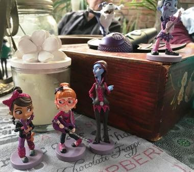 Vampirina figurines as part of table decorations
