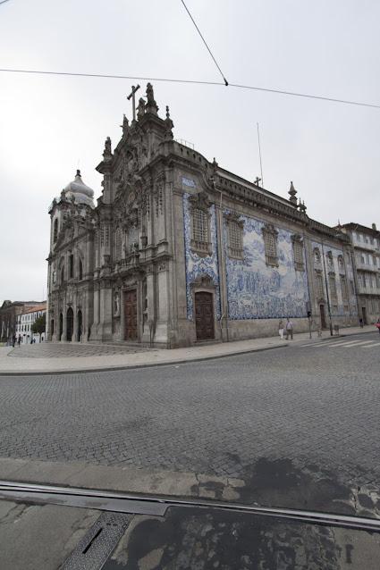 Azulejos sulla facciata della Capela das Almas de Santa Catarina-Porto-Porto