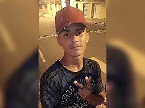 Jovem é assassinado a facadas próximo ao corredor da Folia de Pedreiras