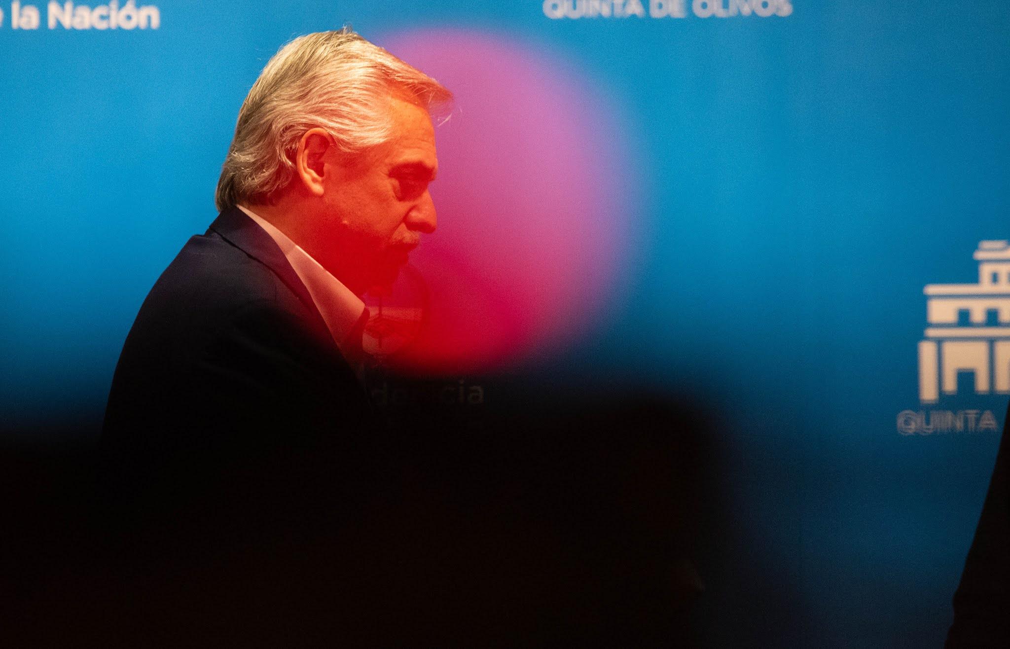 Los ministros y funcionarios que responden a Cristina Kirchner le presentaron su renuncia a Alberto Fernández