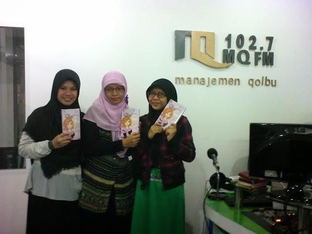 Talkshow novel Dimensi di Radio MQFM Bandung