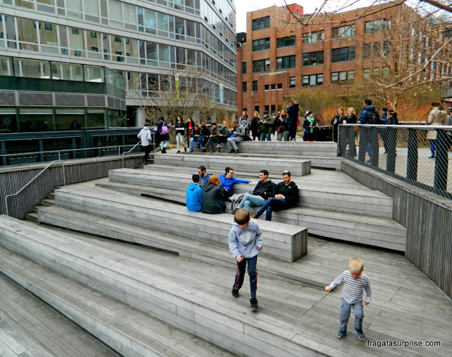 Praça anfiteatro no High Line, Nova York