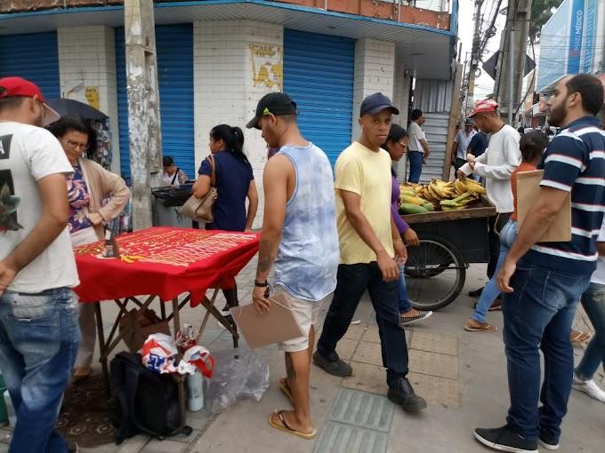 FATOS & FOTOS | Ambulantes nas alamedas, bancos e lotéricas lotados e população de risco nas ruas