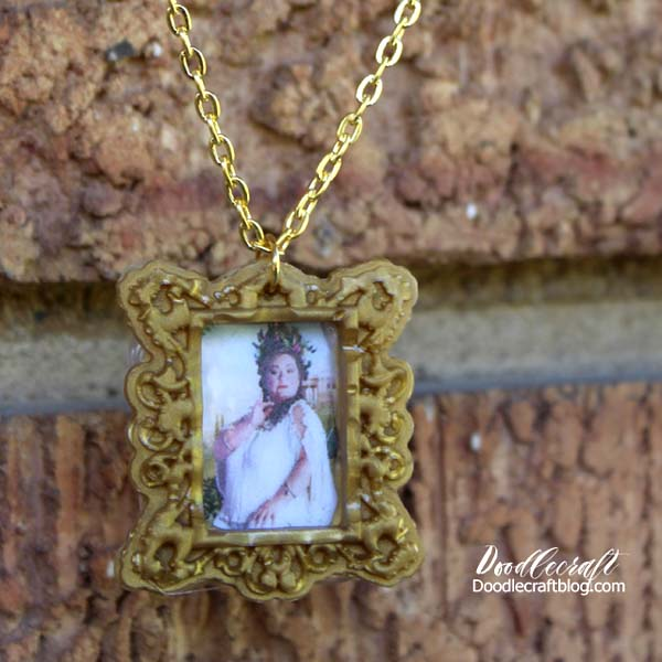 Harry Potter inspired Fat Lady in gold gilded frame necklace diy