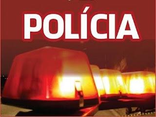 Câmeras de segurança registram ladrão levando duas motocicletas de residência