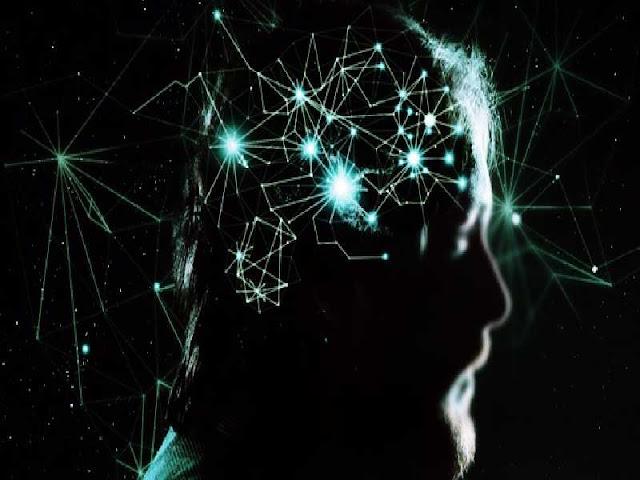 Imagem com fundo preto e a cabeça de um homem com ligações neurais.