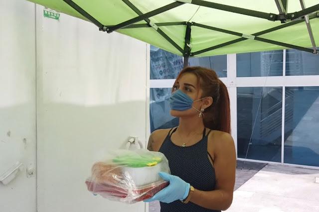 Mujeres trans en la Ciudad de México reparten comida a sus vecinos durante la pandemia por COVID19. ONU México/Luis Arroyo