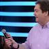 Valesca toma microfone de Faustão e deixa apresentador sem reação
