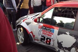Αυτοκίνητο σε αγώνα ράλι έπεσε πάνω στο κοινό στην Τρίπολη [video]