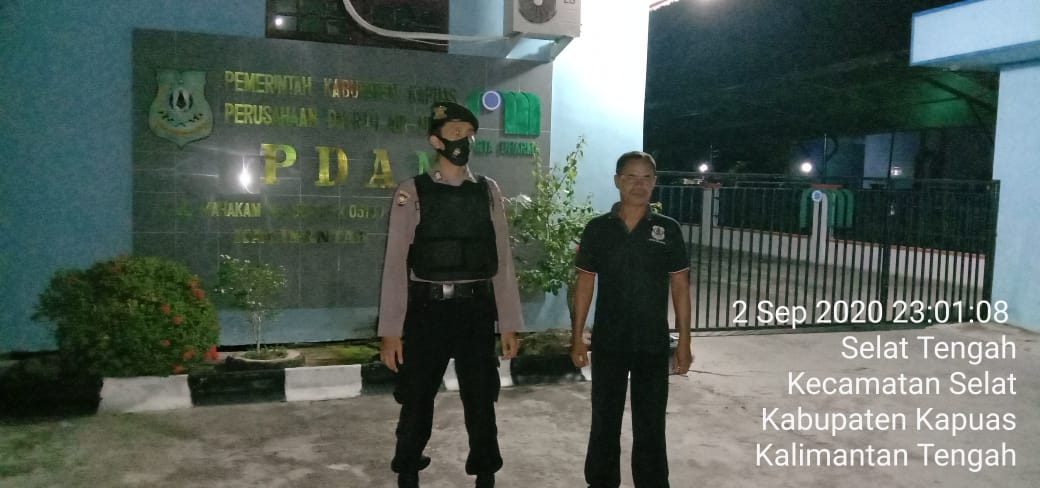 Rawan Malam, Piket Jaga Polsek Selat Laksanakan Patroli Malam