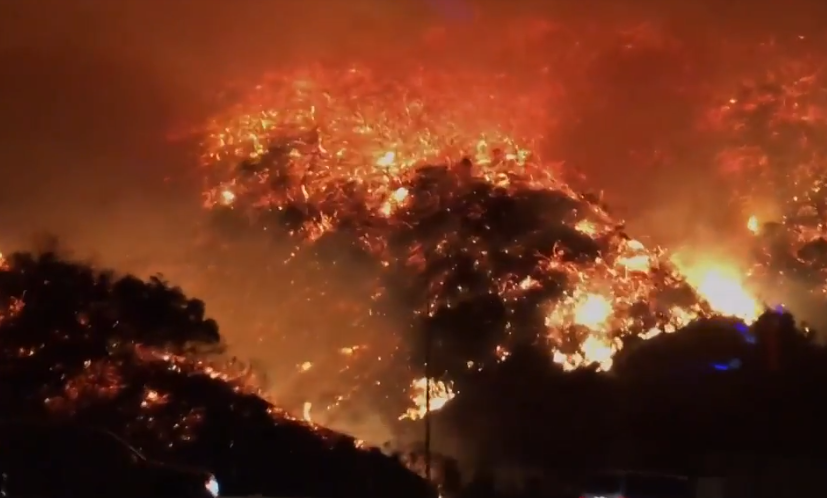 Los Angeles terbakar