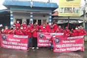 Pemuda Batak Bersatu (PBB) Karawang Bagikan Masker Gratis Kepada Masyarakat