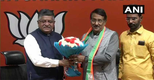 Congress leader Tom Vadakkan joins BJP, says 'hurt by party's stand on armed forces', BJP, Politics, Congress, Lok Sabha, Election, Prime Minister, Narendra Modi, Trending, National