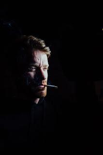 Le plaisir d'allumer une cigarette
