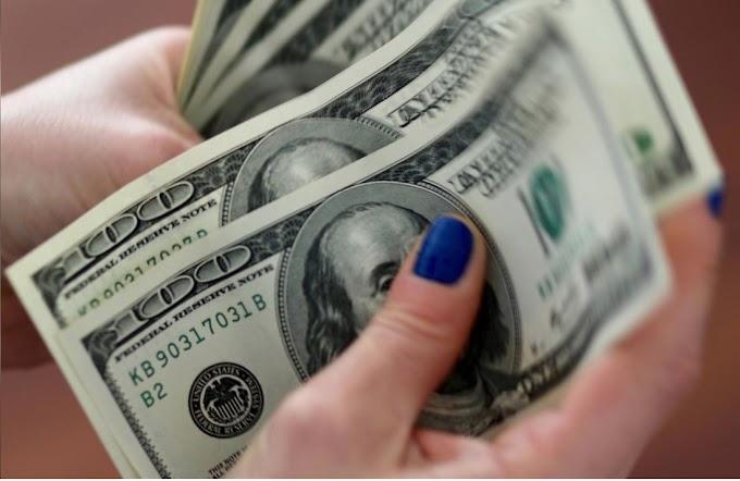 Dólar a la defensiva mientras los mercados miran la política de EE. UU.
