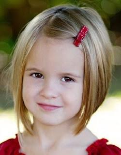 peinado para niña con broche