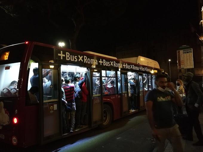 Coronavirus, in troppi su bus e metro: i sindacati allertano il Prefetto